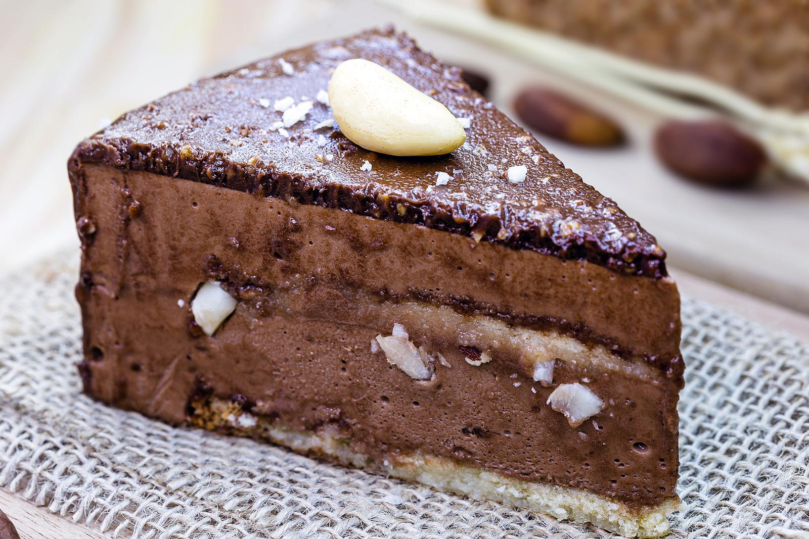 Suklaakakku parapähkinä brasilian pähkinä